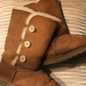 UGG Bailey Button Triplet Boots In Chestnut